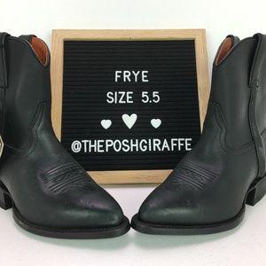 NWT Frye Short Black Boot Size 5.5